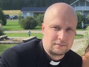 Pastori Antti Lehrbäck perheineen
