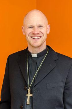 Sakkeuksen seurakunnan pastori Miika Nieminen