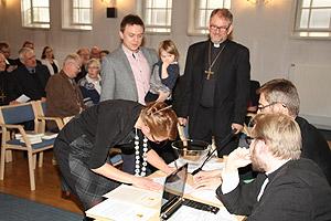 Lähetyshiippakunnan perustamisasiakirja allekirjoitettiin Lahdessa 16.3.2013.