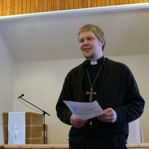 Kysy pastori Kalle Väätäiseltä lisää tietoa Pietarin seurakunnan toiminnasta.