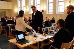 Lähetyshiippakunnan perustajaseurakuntien edustajat ja pappiskollegion jäsenet valitsivat hiippakunnan ensimmäiseksi piispaksi rovasti Risto Soramiehen.