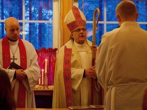 Piispa kehottaa ja rohkaisee